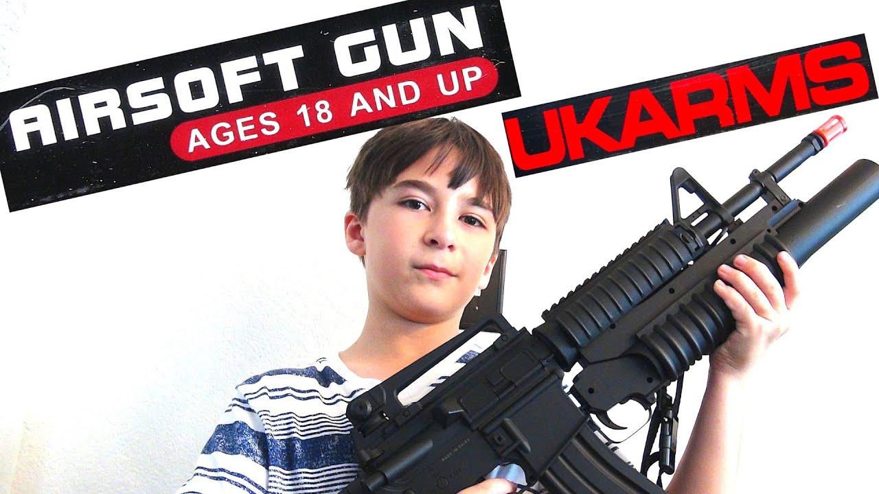 UKARMS Airsoft Assault Rifle avec Robert-Andre!