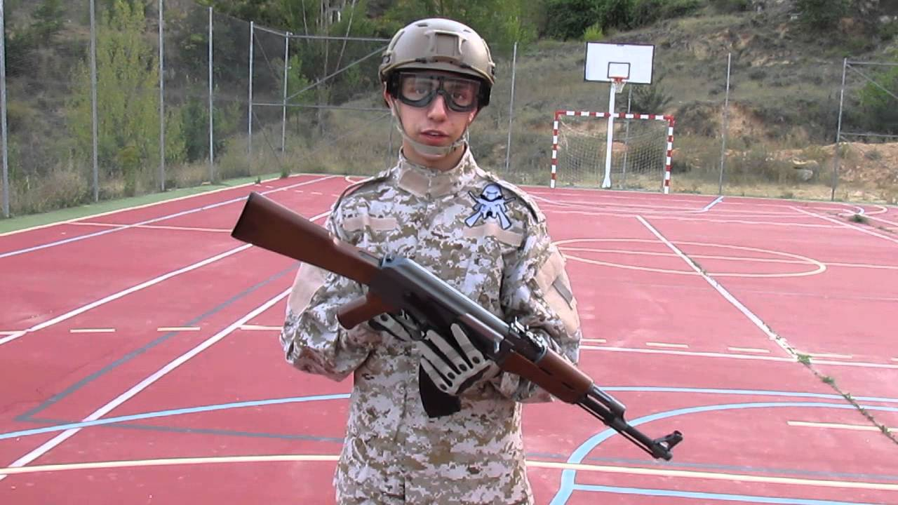 Critique du AK-47 Full Metal Airsoft (espagnol)