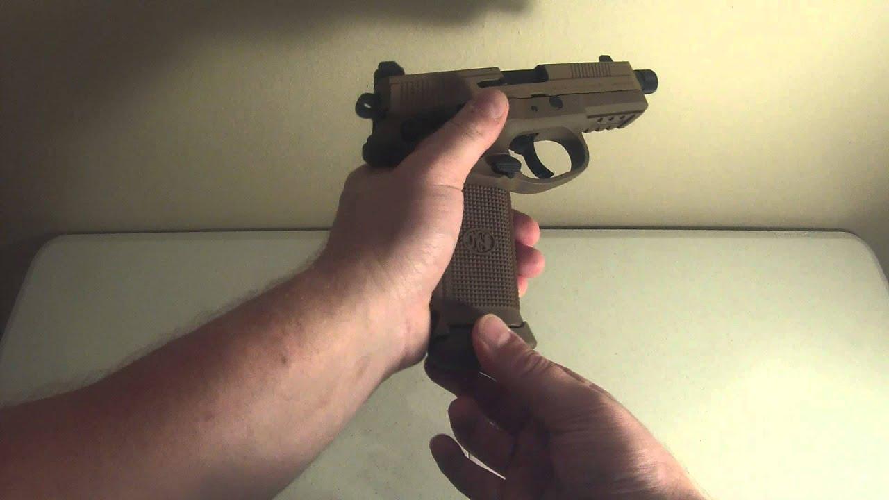 Airsoft FNX Tactical 45 contre la première partie de l'examen sur l'acier