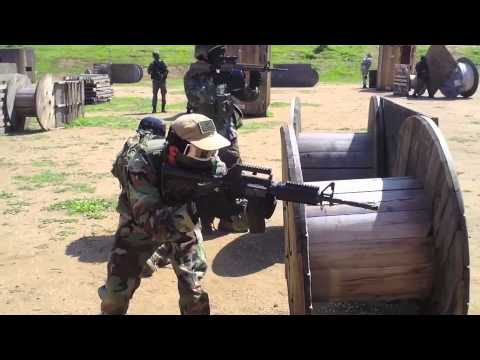 Airsoft Full On War! 100 joueurs, beaucoup d'armes, Odyssey Airsoft