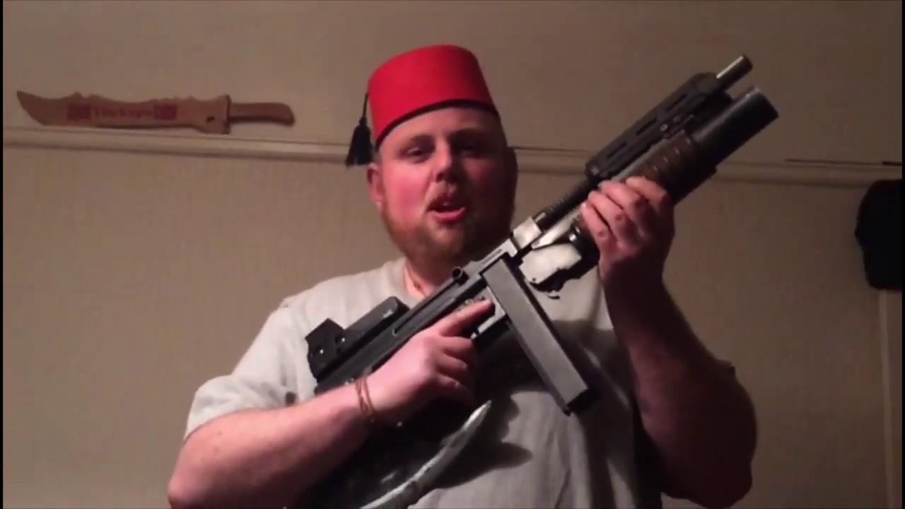 post apocalyptique Tommy gun review (il n'y a pas de batterie ou bbs dans le pistolet ou le mag)