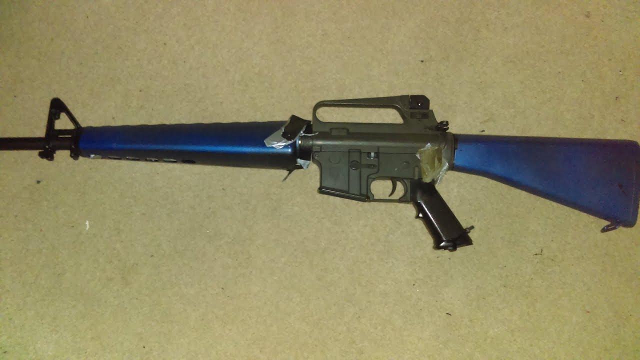 Revue Airsoft de l'AEG M16A1 par JG, mais avec de gros dégâts en bleu deux tons