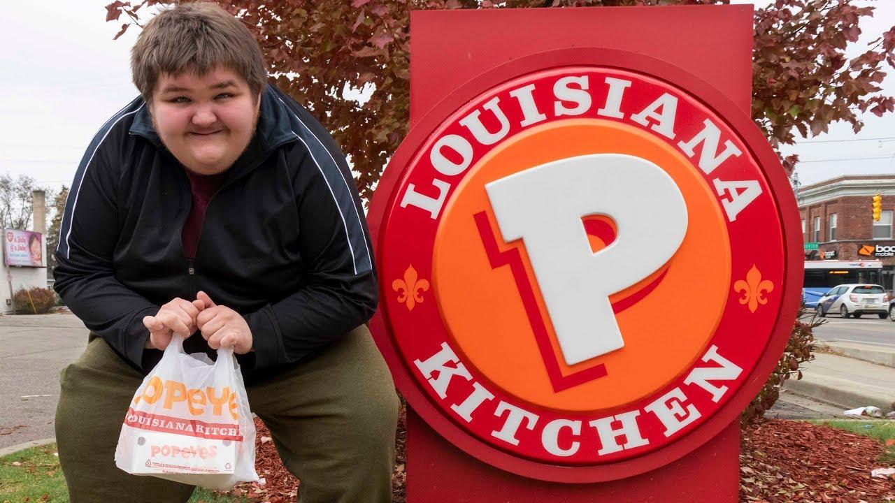 Le sandwich au poulet épicé Popeyes n'est pas du tout épicé!