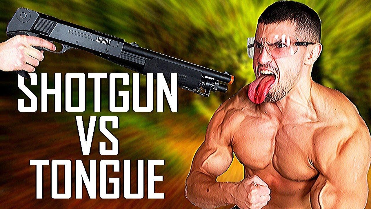 Airsoft SHOTGUN VS My Tongue Experiment * BB STUCK IN * | Test de Bodybuilder VS Painful Airsoft Gun