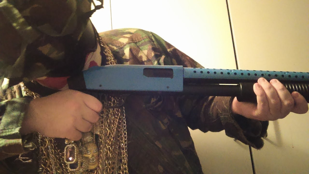 Test Airsoft du fusil AGM Mossberg avec une poignée pistolet (calandre bleue)