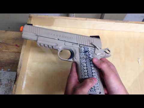 Déballage et examen du pistolet sur rail Airsoft Colt 1911 M45A1