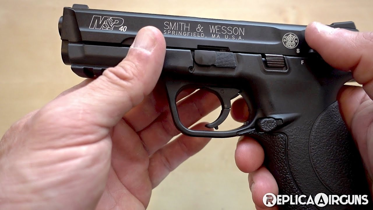 Umarex Smith & Wesson M & P40 CO2 Blowback BB Pistol Table Top Review