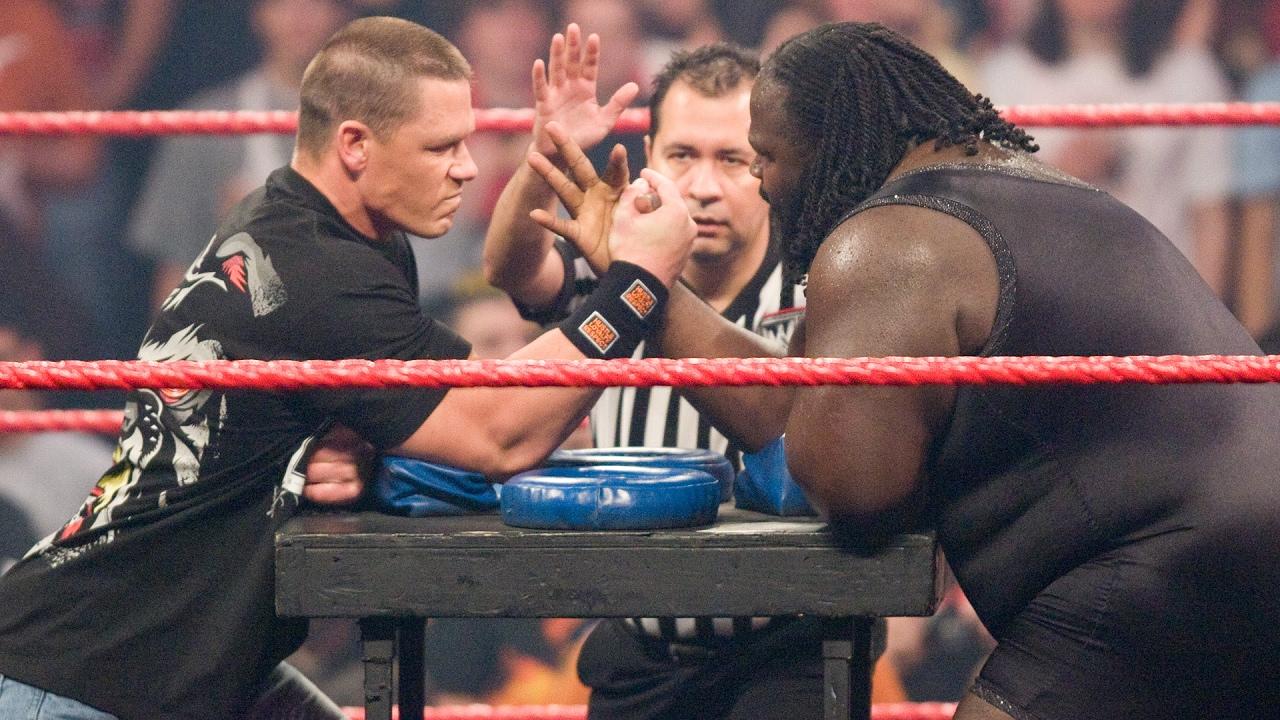 John Cena vs Mark Henry – Concours de lutte contre les armes: Raw, 4 février 2008