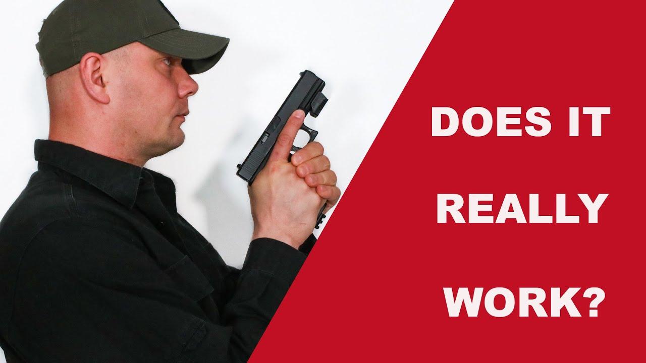 MantisX10 et pistolet Airsoft pour la pratique à sec à domicile.