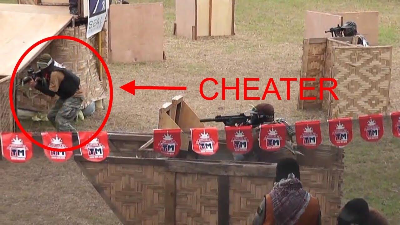 Airsoft Cheater surpris en train de se cacher après avoir été frappé