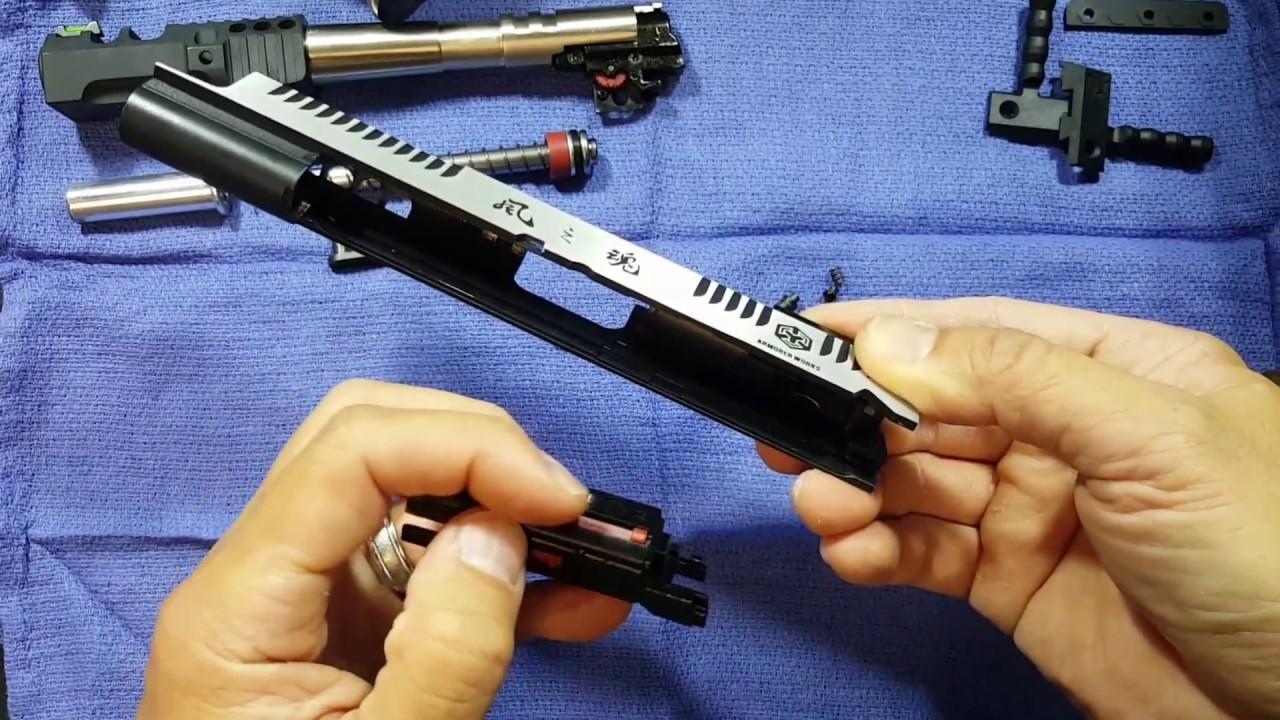 Retrait de la mire arrière et installation du support de glissières Armorer Works Custom HX2401 Wind Velocity Airsoft Pistol