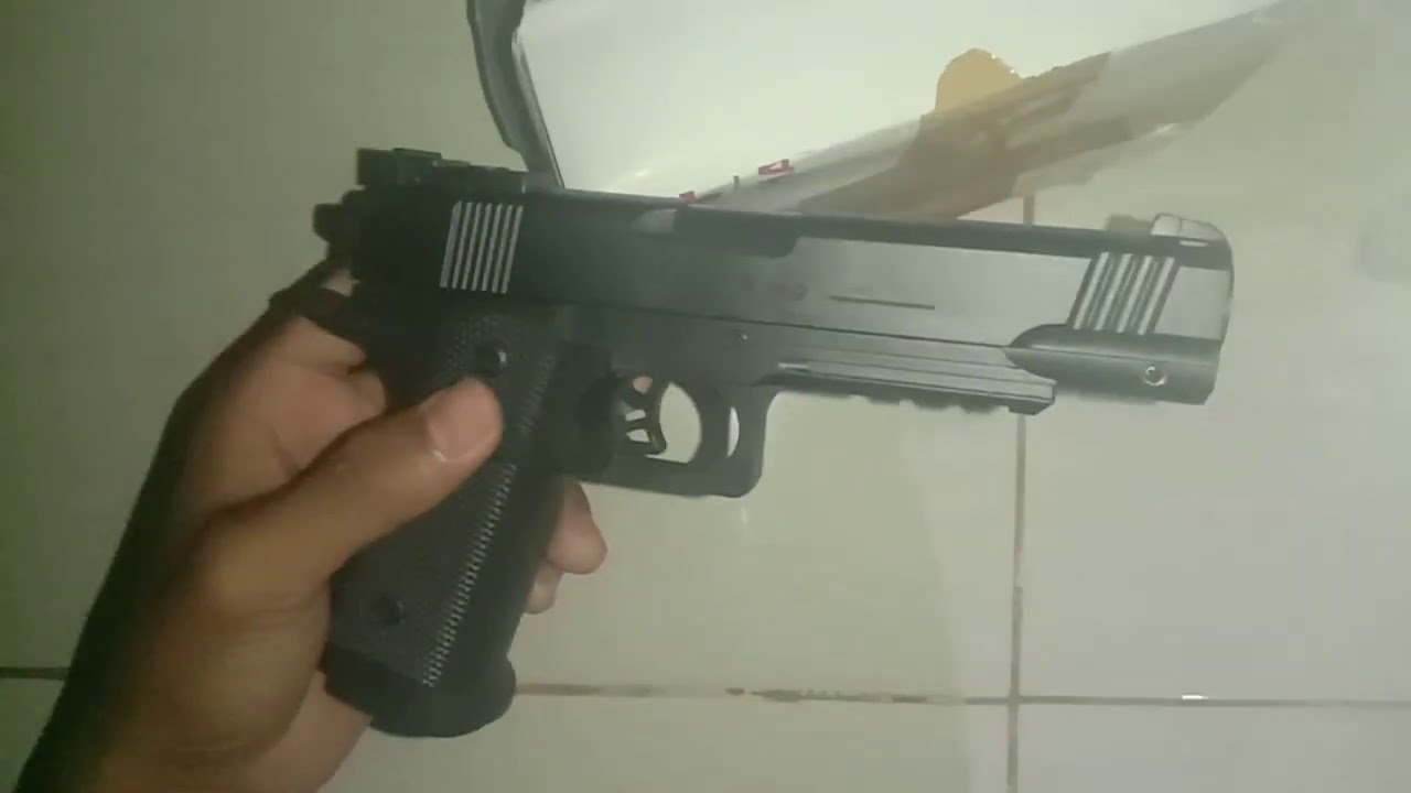 examen de l'unité pistolet à ressort airsoft R-189 fabriqué en Chine