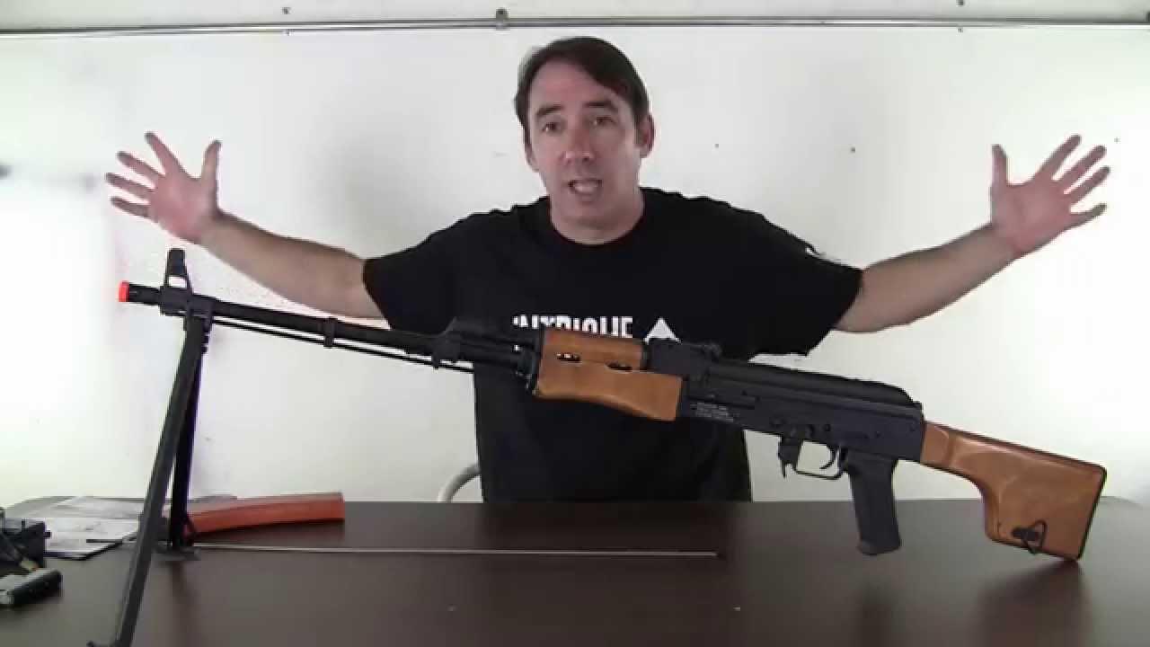 Revue du pistolet Airsoft Echo1 RedStar LMG