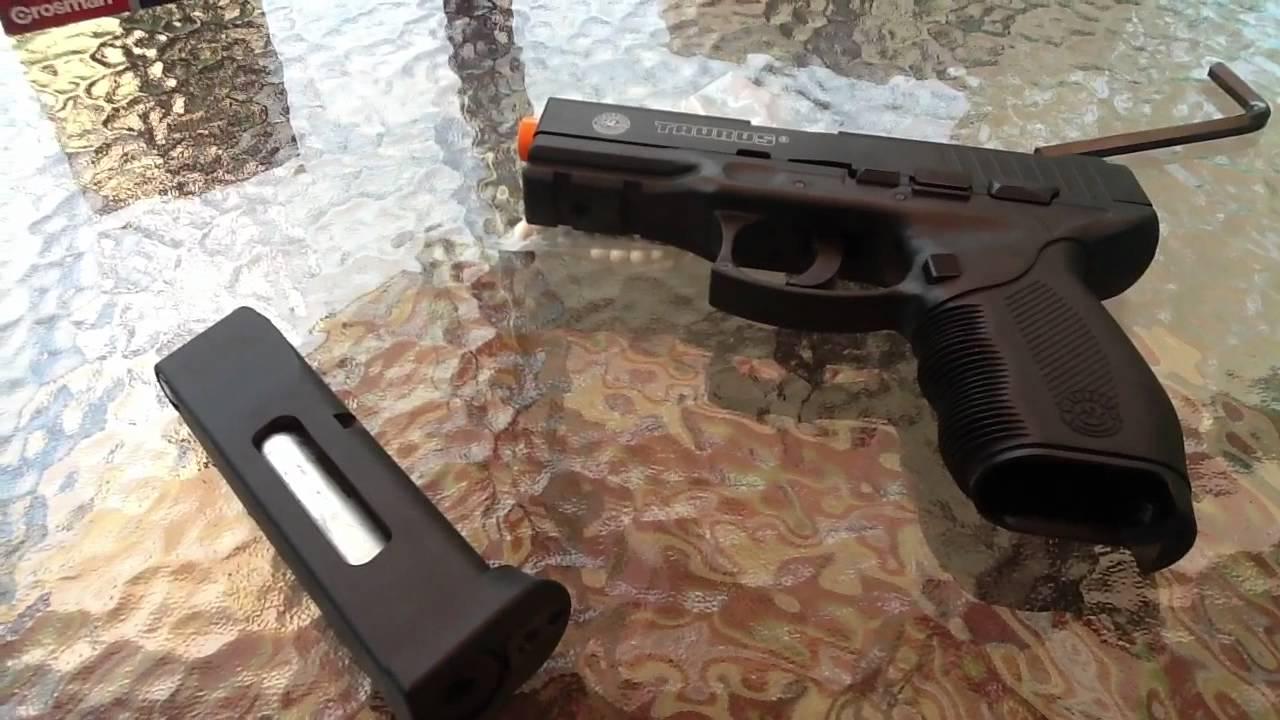 Revue du pistolet Airsoft Cybergun Taurus PT 24/7 Co2