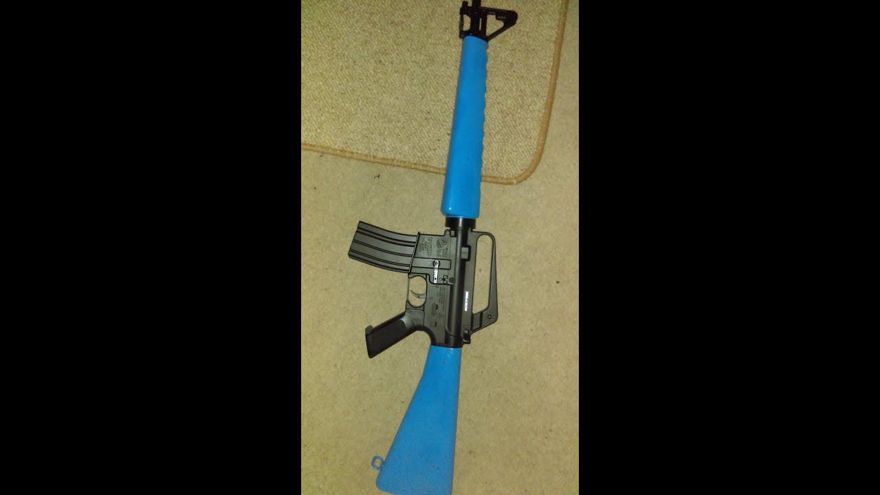 Revue Airsoft du fusil M16A1 à ressort de Cybergun (bleu clair)