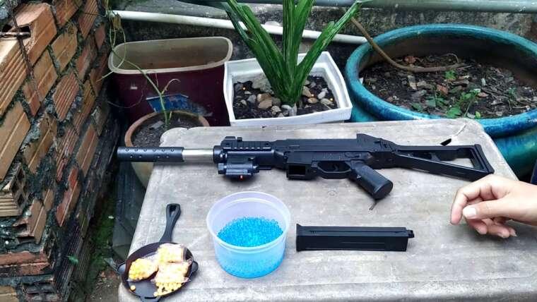 La revue.  UMP Swat – Pistolets AirSoft Pistolets à balles en plastique