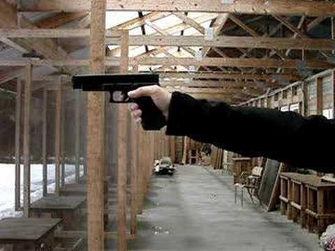 Glock G34 9mm contre Glock G34 Airsoft
