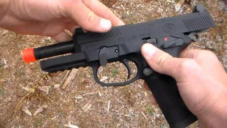 Examen du pistolet Airsoft FNX-45 Gas BlowBack