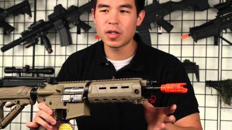 Airsoft GI – G&G G26 M4 avec lumière LED intégrée et examen du pistolet laser