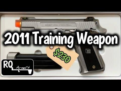 Examen des armes d'entraînement EMG/Salient Arms 2011