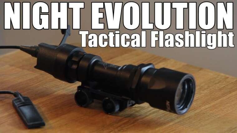 AIRSOFT    REVUE    À confirmer    Lampe de poche tactique NIGHT EVOLUTION NE 04005 (SOUS-SOUS-SOUS ANGLAIS)